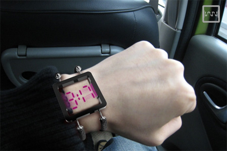 Vain Transparent Watch