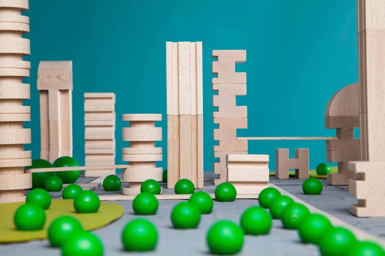 metroquadro-city-planning-game-building-blocks_1
