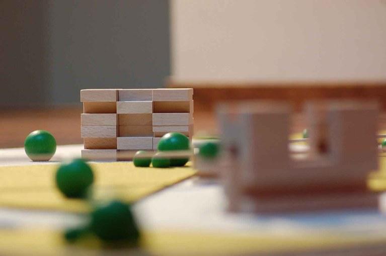 metroquadro-city-planning-game-building-blocks_2