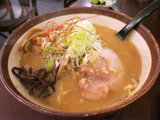 麺屋つくし 生姜たっぷりのすみれ系味噌ラーメン