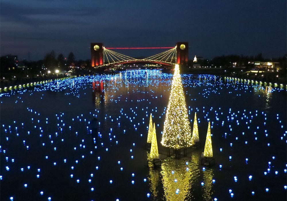 美し過ぎるイルミネーション!環水公園に幻想的な青い光