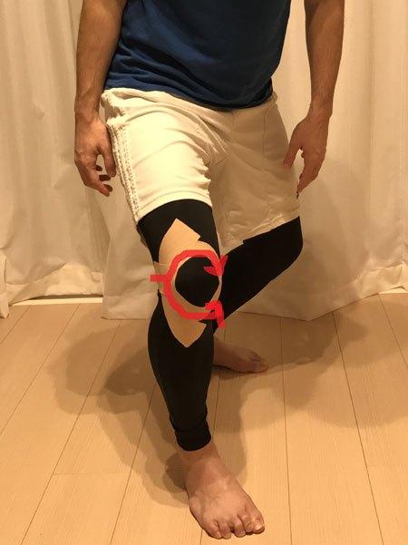 膝蓋骨脱臼予防のテーピング