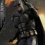 dc-comics-justice-league-batman-tactical-batsuit-version-sixth-scale-hot-toys-903119-05