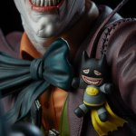 dc-comics-the-joker-premium-format-figure-sideshow-300473-20