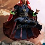 marvel-avengers-infinifty-war-doctor-strange-sixth-scale-figure-hot-toys-903595-06