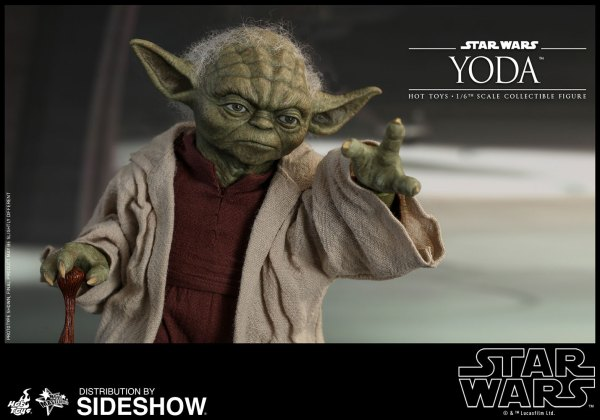 star-wars-yoda-sxith-scale-figure-hot-toys-903656-19