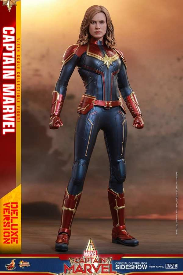 captain-marvel-deluxe-version-1-6-scale-figure-hot-toys-img04