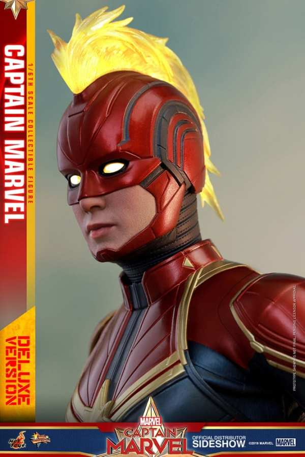 captain-marvel-deluxe-version-1-6-scale-figure-hot-toys-img14
