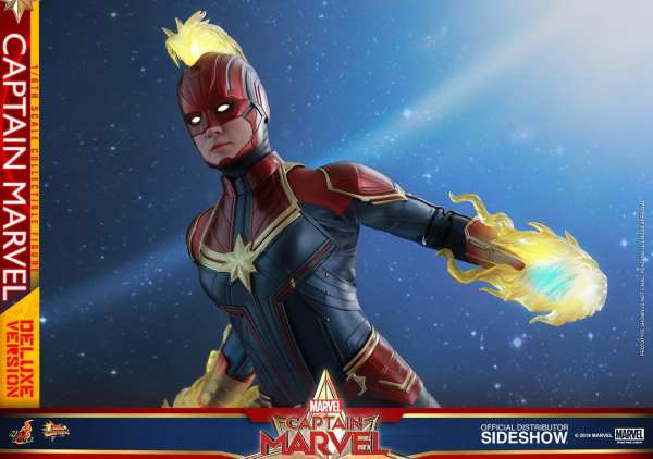 captain-marvel-deluxe-version-1-6-scale-figure-hot-toys-img18