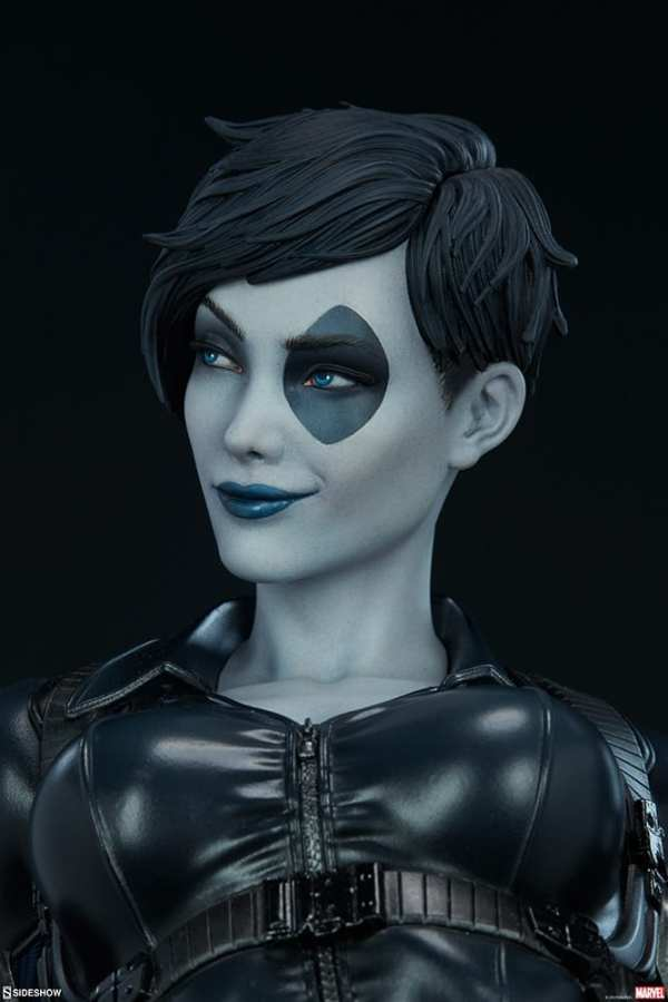 domino-premium-format-figure-sideshow-collectibles-marvel-statue-img12