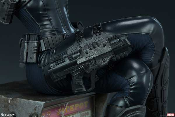 domino-premium-format-figure-sideshow-collectibles-marvel-statue-img19
