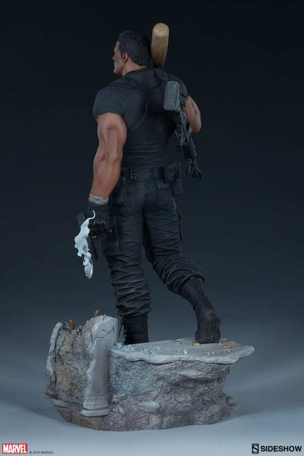the-punisher-premium-format-figure-sideshow-collectibles-statue-img07