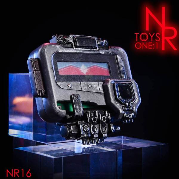 nrtoys-nr16-1-1-scale-lifesize-captain-marvel-beeper-pager-img01