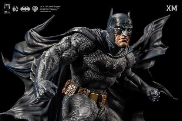 xm-studios-batman-hush-1-6-scale-statue-iconic-cover-art-dc-comics-img02
