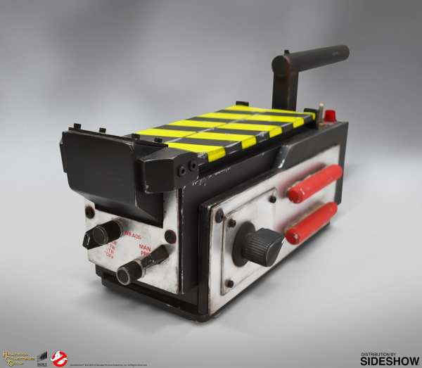 hollywood-collectibles-ghostbusters-ghost-trap-prop-replica-lifesize-collectibles-img03