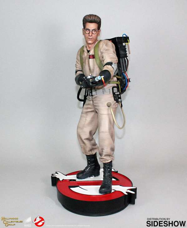 hollywood-collectibles-group-egon-spengler-statue-ghostbusters-img01