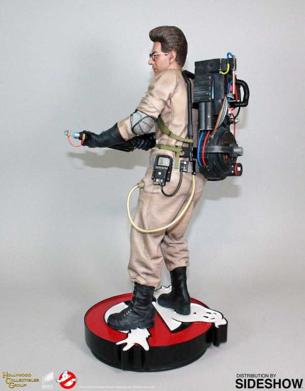 hollywood-collectibles-group-egon-spengler-statue-ghostbusters-img03
