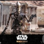 hot-toys-ig-11-sixth-scale-figure-mandalorian-star-wars-collectibles-tms008-img09