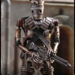 hot-toys-ig-11-sixth-scale-figure-mandalorian-star-wars-collectibles-tms008-img13