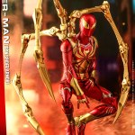 hot-toys-spider-man-iron-spider-armor-sixth-scale-figure-marvel-collectibles-vgm38-img03
