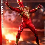 hot-toys-spider-man-iron-spider-armor-sixth-scale-figure-marvel-collectibles-vgm38-img04
