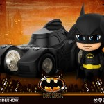 hot-toys-batman-with-batmobile-cosbaby-figure-batman-1989-collectibles-img01