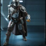 hot-toys-the-mandalorian-and-the-child-sixth-scale-figure-set-tms014-star-wars-img06
