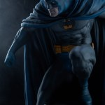 sideshow-collectibles-batman-premium-format-statue-dc-comics-img02