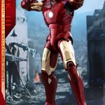 hot-toys-iron-man-mark-iii-quarter-scale-figure-1-4-scale-iron-man-collectibles-img02