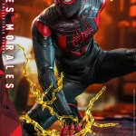 hot-toys-miles-morales-1-6-scale-figure-spider-man-marvel-vgm046-img06