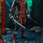 hot-toys-zombie-deadpool-sixth-scale-figure-marvel-zombies-collectibles-cms06-img09