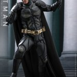 hot-toys-dark-knight-rises-batman-sixth-scale-figure-dc-comics-collectibles-dx-img02