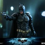 hot-toys-dark-knight-rises-batman-sixth-scale-figure-dc-comics-collectibles-dx-img15