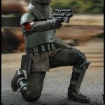 hot-toys-transport-trooper-sixth-scale-figure-star-wars-the-mandalorian-collectibles-tsm030-img05