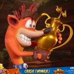 first-4-figures-crash-winner-standard-edition-statue-CTR-team-racing-nitro-fueled-collectibles-img12