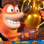 first-4-figures-crash-winner-standard-edition-statue-CTR-team-racing-nitro-fueled-collectibles-img14
