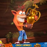 first-4-figures-crash-winner-standard-edition-statue-CTR-team-racing-nitro-fueled-collectibles-img17