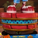 first-4-figures-crash-winner-standard-edition-statue-CTR-team-racing-nitro-fueled-collectibles-img22