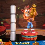 first-4-figures-crash-winner-standard-edition-statue-CTR-team-racing-nitro-fueled-collectibles-img24
