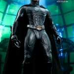 hot-toys-batman-forever-sonar-suit-sixth-scale-figure-dc-comics-collectibles-mms-593-img03