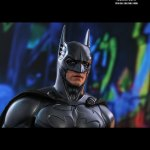 hot-toys-batman-forever-sonar-suit-sixth-scale-figure-dc-comics-collectibles-mms-593-img15