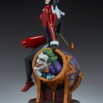 sideshow-collectibles-harley-quinn-and-the-joker-diorama-statue-dc-comics-img08