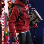 hot-toys-miles-morales-bodega-cat-suit-sixth-scale-figure-spider-man-vgm50-img07