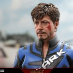 hot-toys-tony-stark-mark-v-suit-up-version-deluxe-sixth-scale-figure-marvel-mms-600-img11