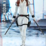 hot-toys-black-widow-snow-suit-sixth-scale-figure-marvel-collectibles-mms-601-img02