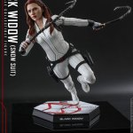 hot-toys-black-widow-snow-suit-sixth-scale-figure-marvel-collectibles-mms-601-img08