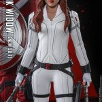 hot-toys-black-widow-snow-suit-sixth-scale-figure-marvel-collectibles-mms-601-img10
