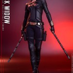 hot-toys-black-widow-sixth-scale-figure-black-widow-movie-marvel-collectibles-img03