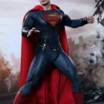 hot-toys-man-of-steel-superman-sixth-scale-figure-mms-200-dc-comics-collectibles-img02