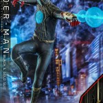 hot-toys-spider-man-black-gold-suit-sixth-scale-figure-spider-man-no-way-home-mms-604-img02